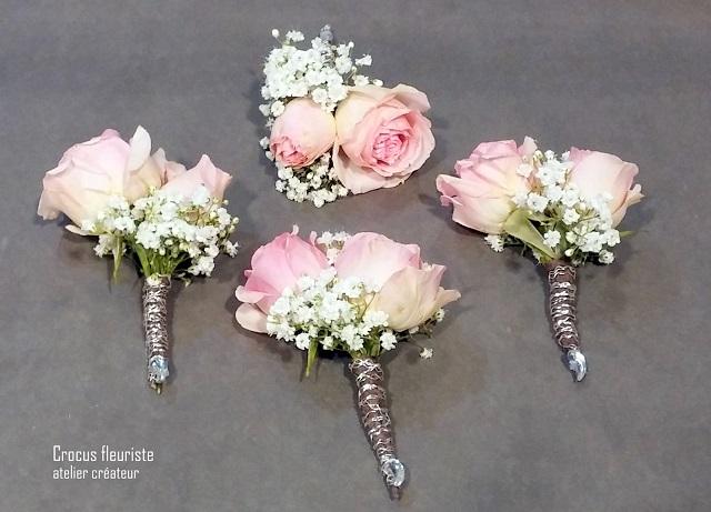 Boutonnières en fleurs, mini roses et gypsophile