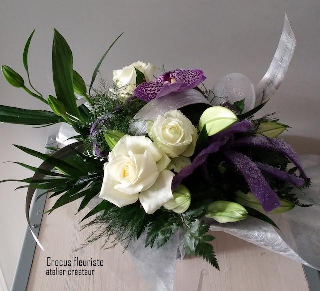 Bouquet rond horizontal blanc givré