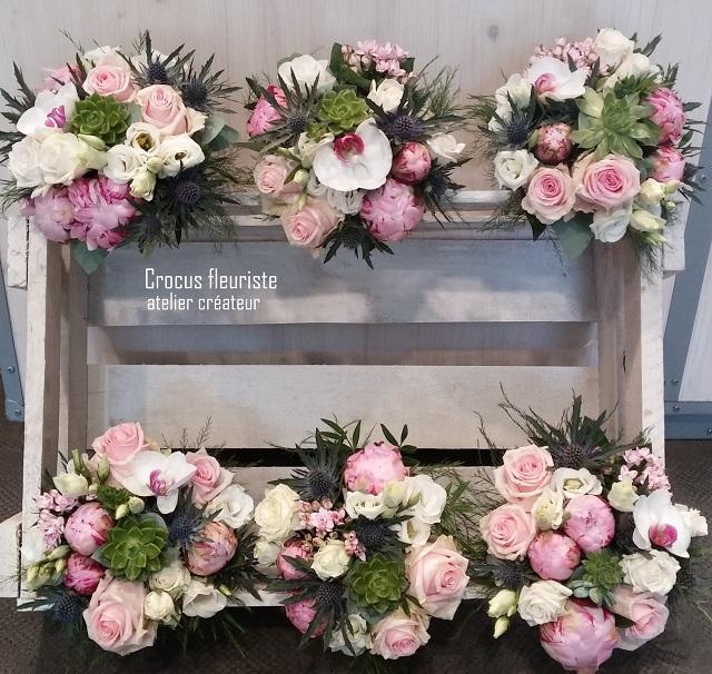 Bouquets de demoiselle d'honneur blancs, roses et verts